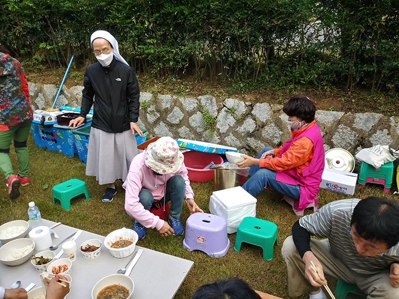 성당묘지벌초 20200919 (13).jpg